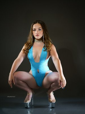 Ionna nuru massage in Corcoran