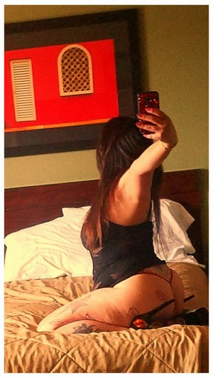 Lynda nuru massage in Palos Hills